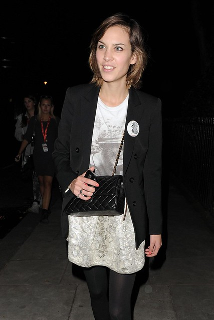 Preppie_-_Alexa_Chung_leaving_the_Twenty8Twelve_fashion_party_-_September_21_2009_246
