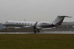 N516QS - 658 - Netjets - Gulfstream V - Luton - 091103 - Steven Gray - IMG_3364