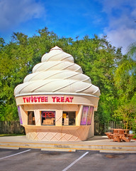 I scream, We scream, We all scream for Ice Cream (Matusadona) Tags: florida stuart hdr twisteetreat