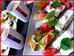 "Coffee cup ""Chef"" and ""Mama"" (erikaheinzurlaub) Tags: food kitchen coffee cheese breakfast tomato bread yahoo essen"