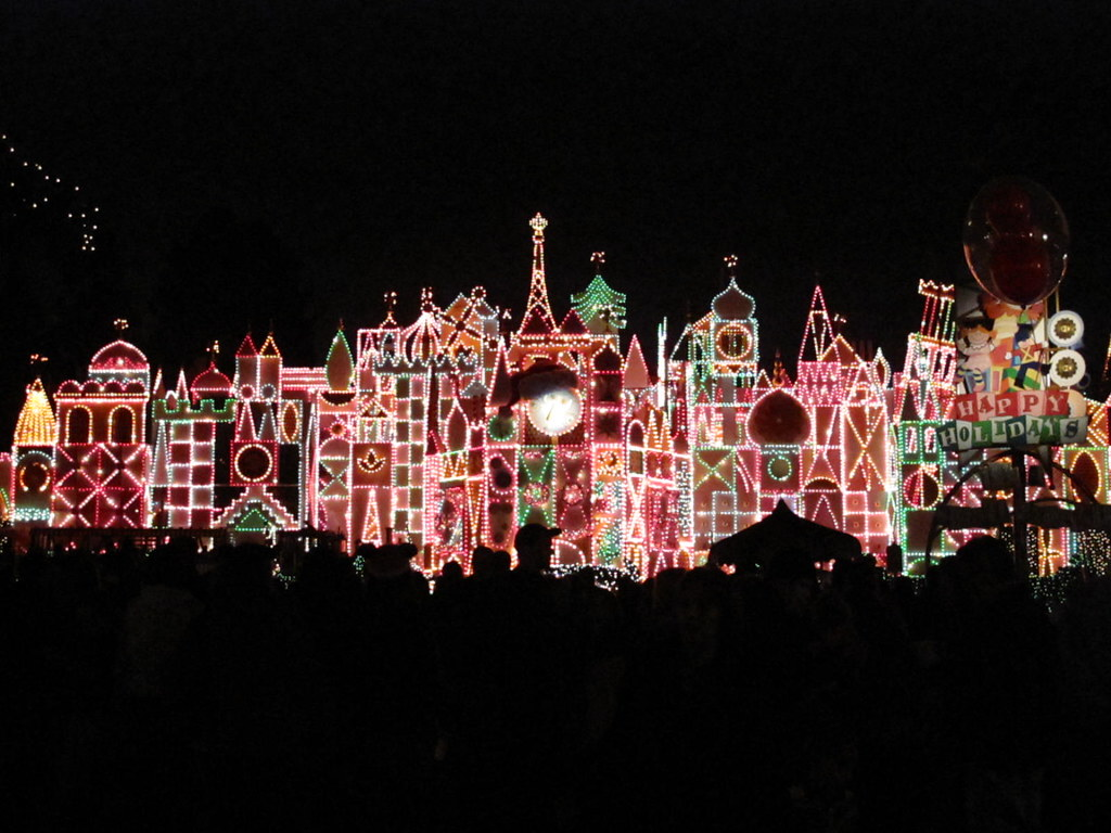 Holiday It's A Small World