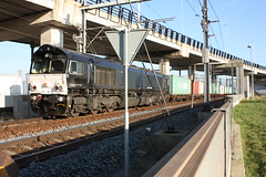 Pernis, 15-12-2009, 13:50 (steefieonapple) Tags: canon zug cargo acts storing botlektunnel 7103 jt4 containertrain 450d containertrein havenspoor