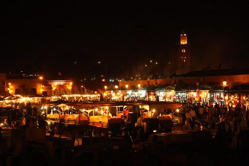 Cae la noche sobre Djemaa el-Fna