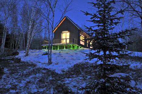 The BrightBuilt Barn on Spruce Mountain, ME (by: BrightBuilt Barn via Jetson Green)