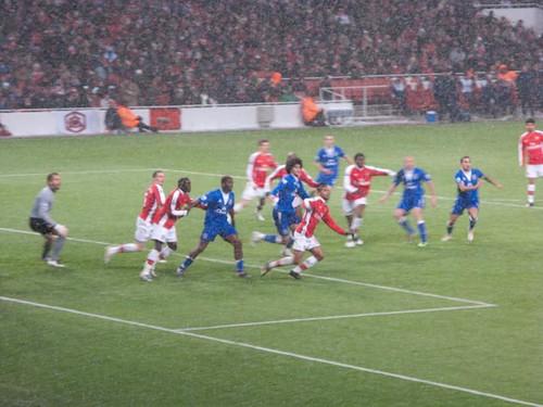 Everton attack a corner