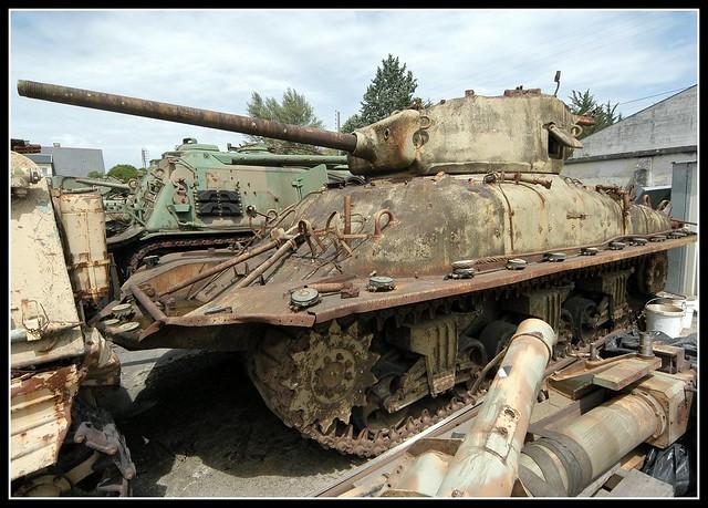 Saumur Tank Museum Sherman DD (1)