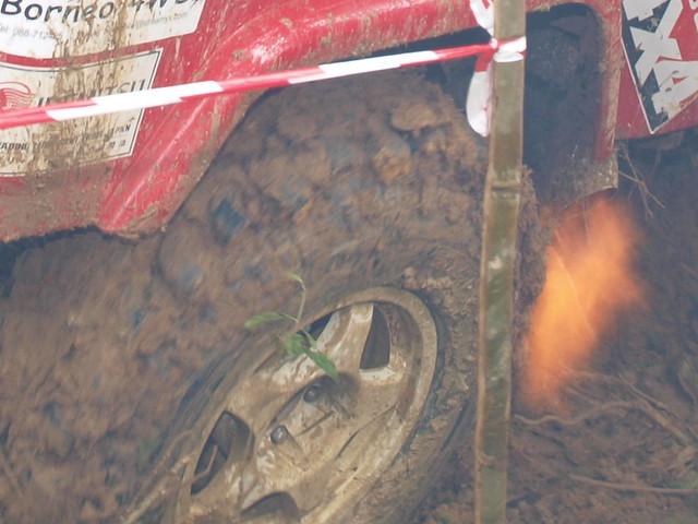 Toyota Landcruiser BJ43 Supra Spitting flame