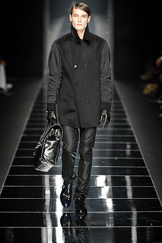 James Hampson3096_FW10_Milan_John Richmond(nikestav10@mh)