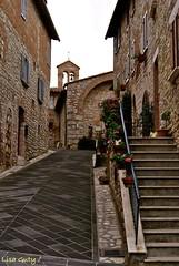 Punti di vista (lisaguty ) Tags: scale italia case campanile fiori pietra perugia borgo umbria salita paese corciano sonyalpha230 lisaguty