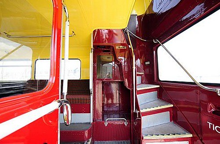 Bus Routemaster stairs