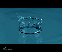 Crown [ Explore ] (ANOODONNA) Tags: blue water explore crown sigma105mmf28exdgmacro canoneos50d anoodonna  alanoodalrasheed