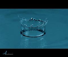 Crown [ Explore ] (ANOODONNA) Tags: blue water explore crown sigma105mmf28exdgmacro canoneos50d anoodonna العنودالرشيد alanoodalrasheed