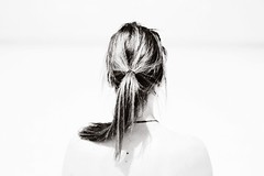 Solitude (*urania) Tags: beach me blackwhite sp ponytail 50mmf14 canoneos450d cinnamonroseactions classicactiontritone