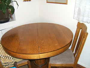 Round Oak Pedestal Dining Table w/ optional leaves $150