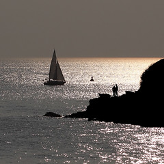Contre-jour (rogermarcel) Tags: mer nature landscape soleil 1001nights bateau contrejour artofimages bestcapturesaoi 1001nightsmagiccity flickraward5 mygearandmepremium