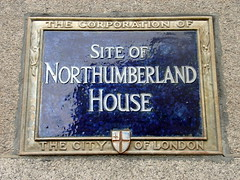 Photo of Northumberland House, Hugh Smithson, and Elizabeth Percy blue plaque