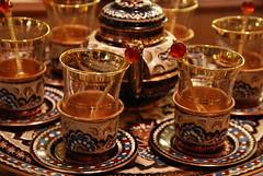 Tea set in Grand Bazaar (Anne Leroy) Tags: turkey trkiye istanbul turquie istambul turkije turquia estambul constantinople turqua tyrkiet turkei turcja  turkiya turkye tyrkia  istanboel turkija  constantinopolis    stambula turcija   stambulas stambu        turkio  turcland tureuki