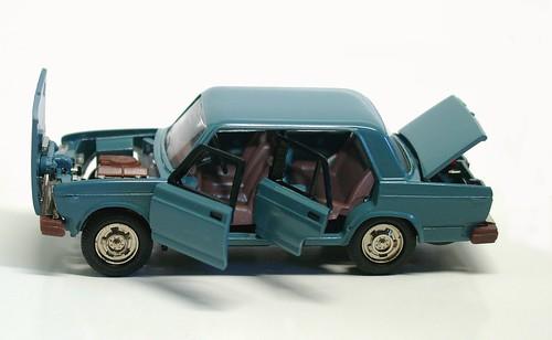 Lada 2107 (1)