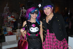 THREE APPLES // hello kitty goth party!
