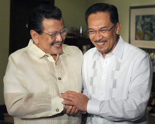 PHILIPPINES-MALAYSIA-ESTRADA-ANWAR