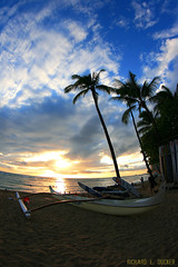 Waikiki - Hawaii (Richard E. Ducker) Tags: sunset hawaii surf waikiki oahu aloha justclouds