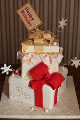 Holiday gift box cake (Andrea's SweetCakes) Tags: diamonds snowflakes holly pearls bows tissuepaper boxlid gifttag giftboxcake