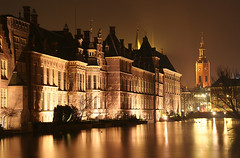 """Binnenhof at Night • <a style=""""font-size:0.8em;"""" href=""""http://www.flickr.com/photos/45090765@N05/4206673868/"""" target=""""_blank"""">View on Flickr</a>"""