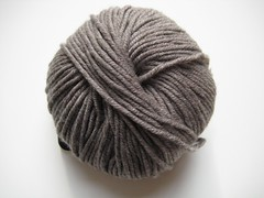 Karabella Aurora 8, 201 light gray (countingstitches) Tags: yarn worsted karabella aurora8