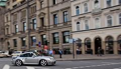 Porsche 993 Turbo panning (FDJeux_Photography) Tags: silver digitale hamburg 911 july olympus turbo 09 porsche dslr panning zuiko 2009 kamera silber 993 jungfernstieg mitzieher spiegelreflex e420 1442mm
