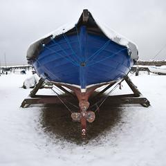 Well covered (Hkan Dahlstrm) Tags: blue winter snow azul port harbor boat skne blauw sweden harbour blu schweden bleu sverige blau hafen 2010 bl sude svezia hamn lerberget skanelan