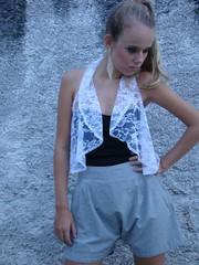 Colete Glamour Renda (nanaquel.artesanato) Tags: fashion arte santacatarina renda colete customização modaartesanal nanaquel