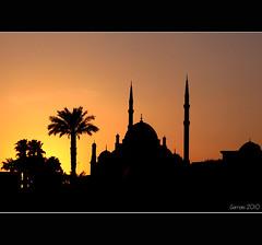 Mezquita de Mohamed Al, La Ciudadela (Gorrioni) Tags: sunset colours silhouettes mosque puestadesol ocaso elcairo mohamedalimosque laciudadela mezquina orangecolour mezquitademohamedal mywinners blackandyelow