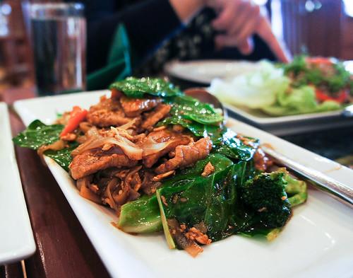 Thai's Fried Noodle : Pad Si-Ew  ผัดซิอิ๊ว