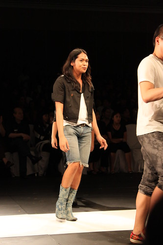 Regine Dulay - Philippine Fashion Week Holiday 2011