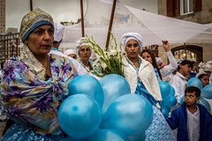 Blue ballons (Fran Caparros) Tags: mar del plata argentina buenos aires argentine culture religion tradition tradiciones azul sincretismo iemanja yemanya orisha woman mujer god godess diosa sea blue yoruba slaves eslavos africa african africanos america americanos south sudamerica