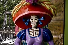 La gran sonrisa. The big smile. (darkside_1) Tags: halloween death la style muerte miranda carmen dressed mirandas camen vestida deathiseverywhere díadedifuntos sergiozurinaga bydarkside darkside1