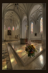 Stadtpfarrkirche St. Nikolaus - Altarraum (Helmut Reichelt) Tags: germany deutschland bavaria oberbayern explore stadt hdr rosenheim abigfave travelsofhomerodyssey bestofmywinners