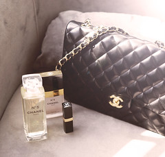 CHANEL (Fatma Al-malki) Tags: work fan am her just chanel loooove copying abig not 7beebtywalla