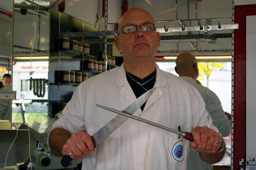 Roger Hardy, le nouveau boucher de Bacalan a longtemps été attendu. photo T.G.