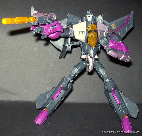 Skywarp Animated Voyager Transformers 018