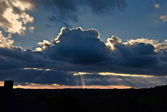 Aprs la pluie... (No) Tags: ciel nuages soir crpuscule glise hdr clocher nikond60 rayonsdesoleil treffendel arnaudbodiou