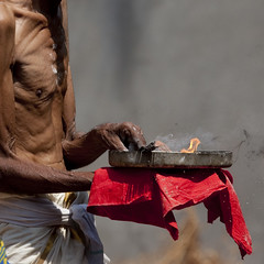 Priest Holding Flames And Ashes In A Plate During Theyyam Ceremony, Thalassery, India (Eric Lafforgue) Tags: india indie thin indi indien hind indi inde hodu indland  hindistan indija maigre   ndia hindustan  2849    hindia  bhrat  indhiya bhratavarsha bhratadesha bharatadeshamu bhrrowtbaurshow  hndkastan