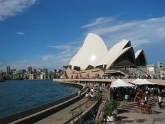 Sydney Opera House (Rosanna Leung) Tags: people building landscape harbour sydney australia unescoworldheritagesite unesco newsouthwales operahouse  sydneyharbour   sydneyoperahouse      artscomplex