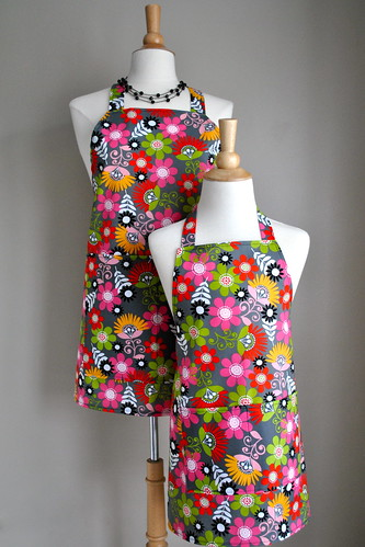 Mommy & Me Apron Set