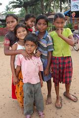 Group of children in Goa - Terre d'Espoir (Pondspider) Tags: poverty girls boy india boys girl children child goa enfants enfant colva linde pauvret migrantworkers anneroberts annecattrell terredespoir janinegaiddon pondspider charitfranaise