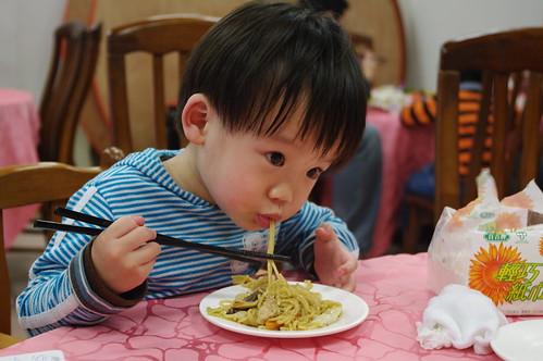 一豆吃炒麵