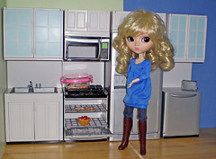 Faun's New Kitchen (sup internets) Tags: toys dolls pullip pullips dollfurniture kenmoore pullipfurniture
