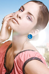 (Nebulaskin) Tags: city en woman colors beauty silver mujer plata aros jewlery formas macarena