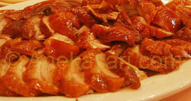 Bebek Peking -- salah satu spesialitas masakan Rumah Makan Aneka Sari