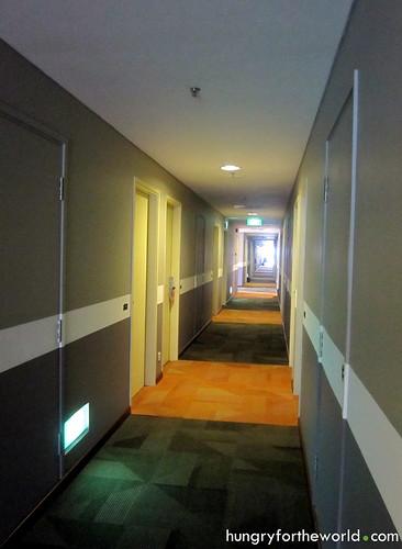ibis bencoolen hallway